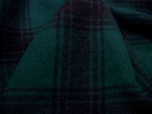 Lainage vert sapin et noir a carreaux 3