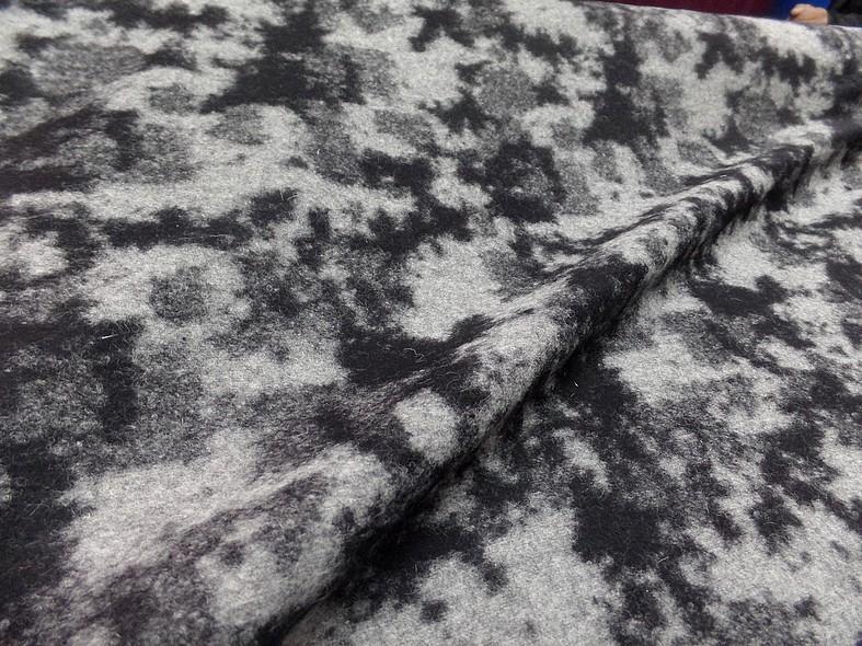 Laine bouillie noire marbree gris clair 4