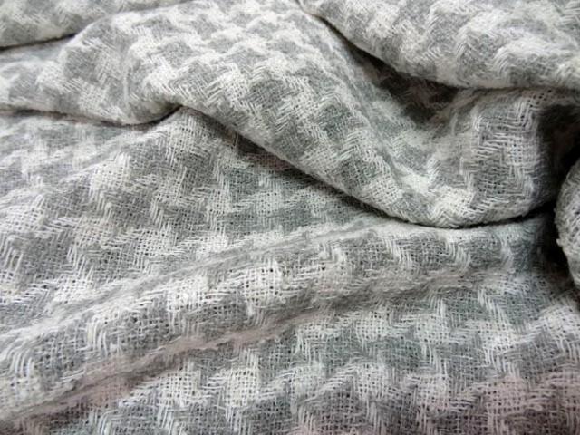 Laine soie melange blanc gris9
