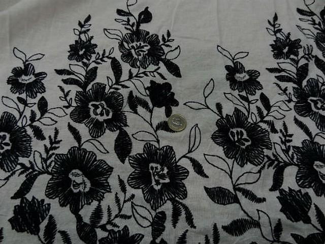 Lin blanc casse embase fleurie noire 4