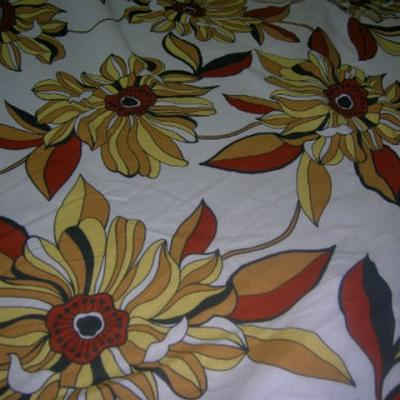 Lin blanc casse fleurs de gazania jaune rouille 1