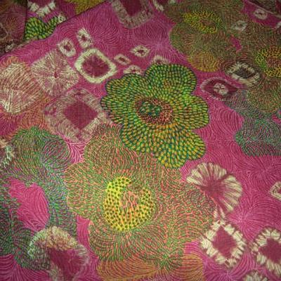 Lin rose framboise motif fleurs en pointillisme 1