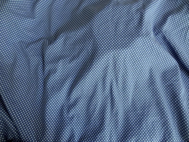 Lycra bleu denim a petits pois blancs 3