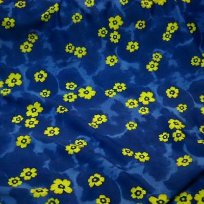 Lycra bleu saphir tapis de fleurs 1