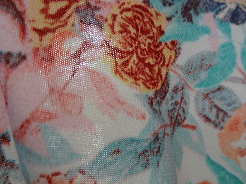 Lycra fin blanc fleuri teintes saumon bleu 4
