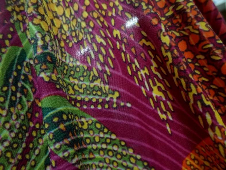 Lycra framboise motif fleurs pointillisme 3