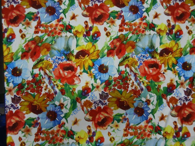 Lycra imprime fleurs vives 3