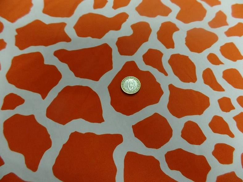 Lycra imprime taches de girafe fond blanc motif orange et jus d orange 3