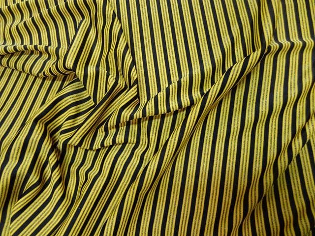 Lycra jaune rayures et lignes 3