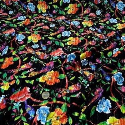 Lycra noir fleurs exotiques et colibris 1