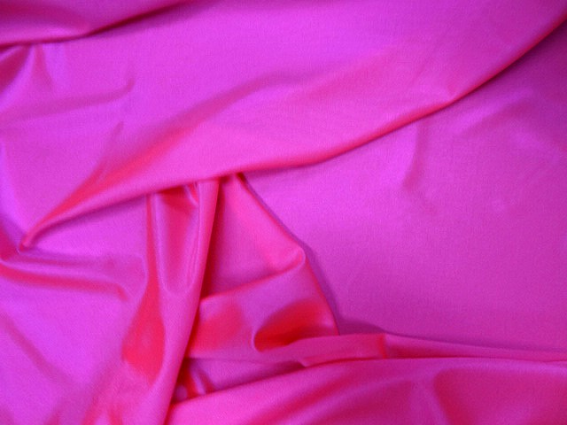 Lycra satine rose fluo 4