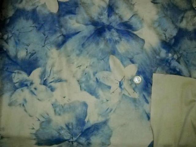 Lycra teinte chamois fleurs denim 1