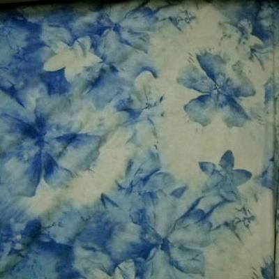 Lycra teinte chamois fleurs denim 3
