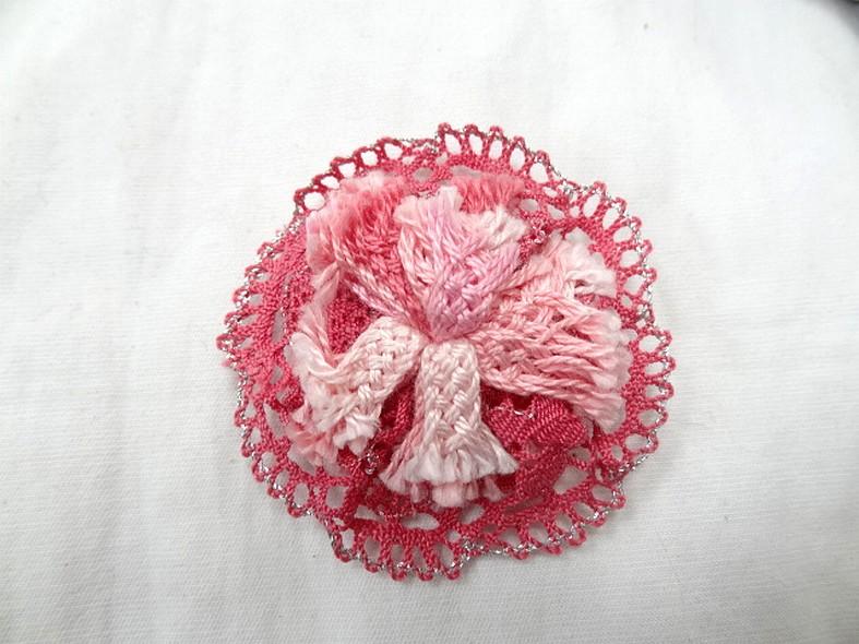 Macaron dentelle rose a coudre