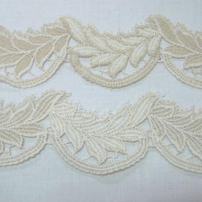 Macrame blanc casse feuilles de laurier 1