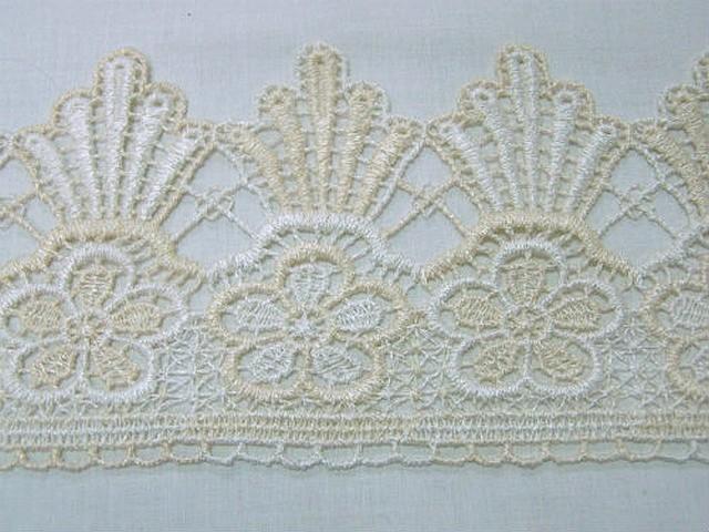 Macrame blanc casse ivoire fleur et couronne 2