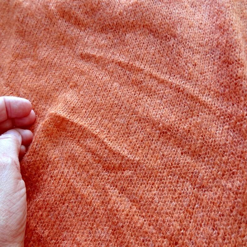 Maille de laine melangee teinte abricot 1