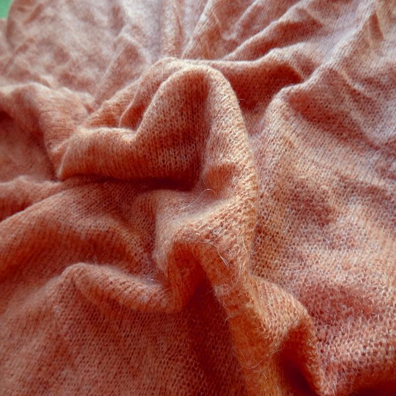 Maille de laine melangee teinte abricot 2