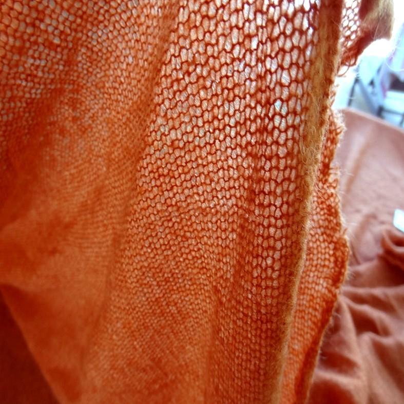 Maille de laine melangee teinte abricot 4