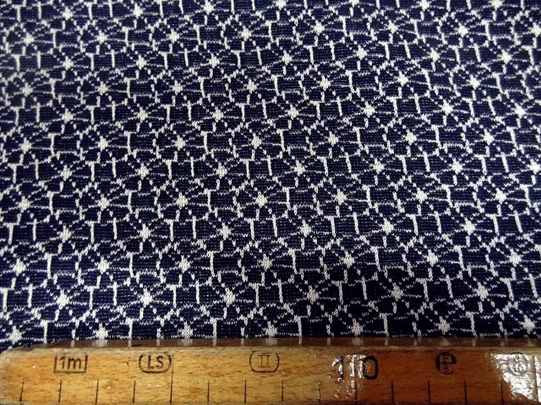 Maille lainage bleu marine motif japonais 1
