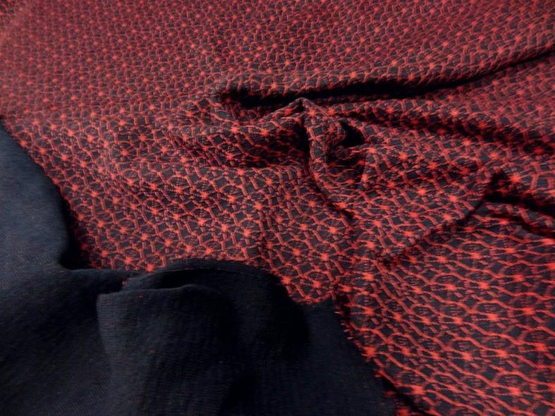 Maille lainage bleu marine motif japonais rouge 4