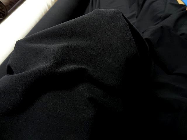 Maille mousse lycra noire 3