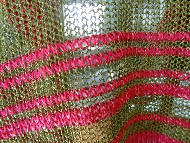 Maille rayee olive et rose cherry 3