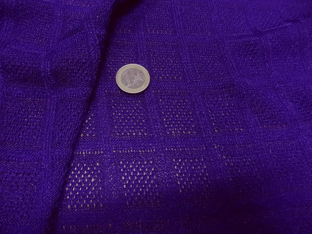 Maille tricotee motif carreaux indigo 1