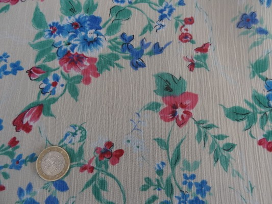 Mousseline crépon polyester grège fleuri 02