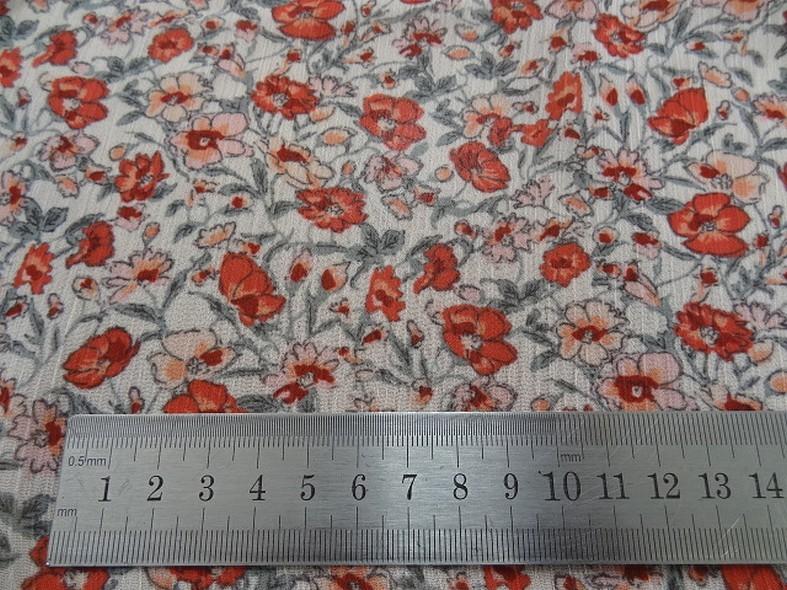 Mousseline creponnee fond blanc fleurs liberty rouge et vert de gris 1