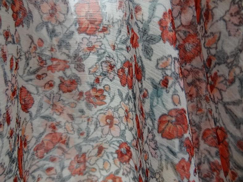 Mousseline creponnee fond blanc fleurs liberty rouge et vert de gris 2