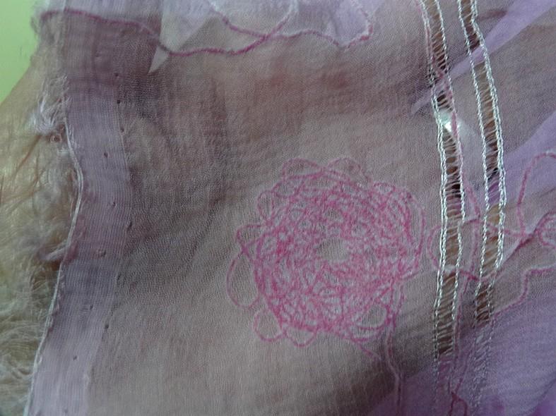Mousseline de soie brodee et ajouree teinte orchidee 9