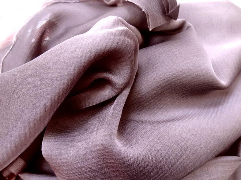 Mousseline de soie changeante parme et noir 3
