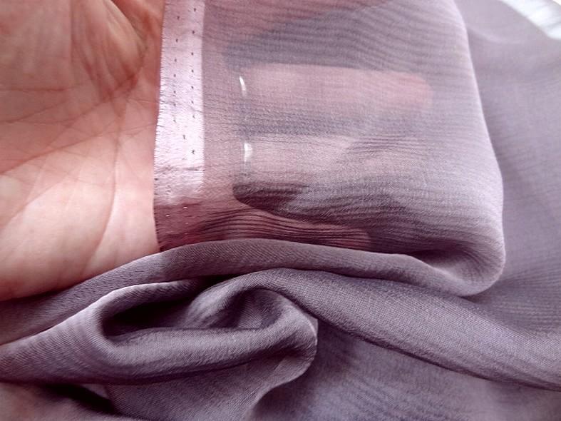 Mousseline de soie changeante parme et noir 5