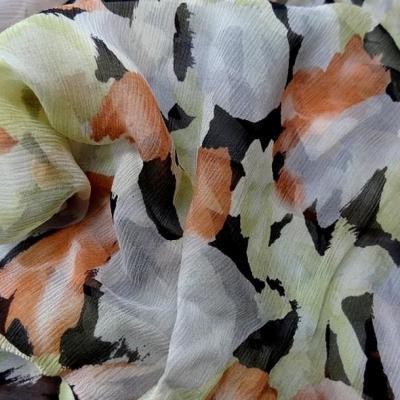 Mousseline de soie chiffon motif tachete noir vert tilleul corail 1