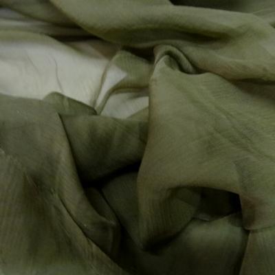 Mousseline de soie chiffon teinte olive 2