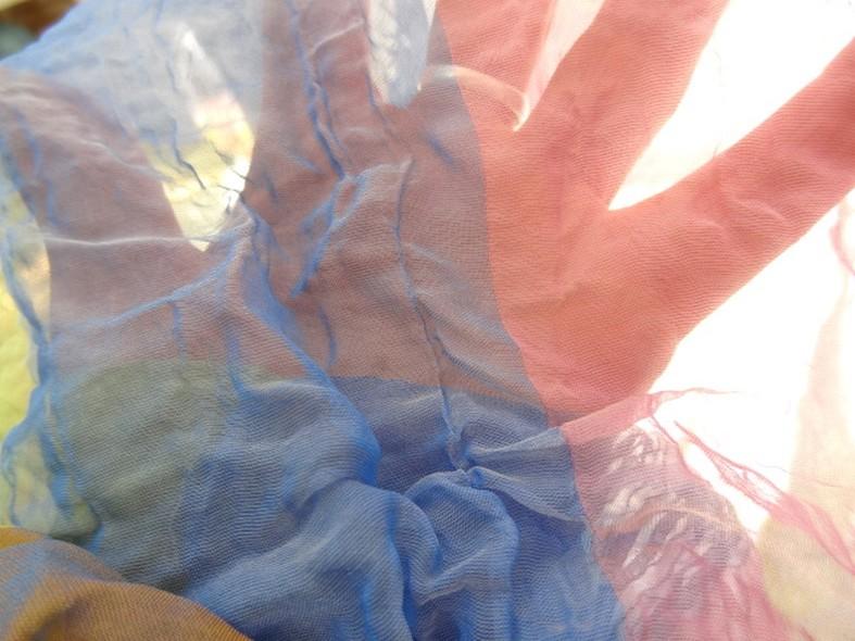 Mousseline de soie froissee motif madras 3
