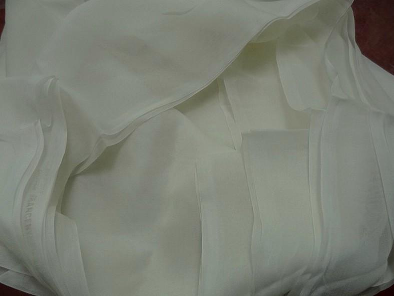 Mousseline de soie lisse blanc casse 2