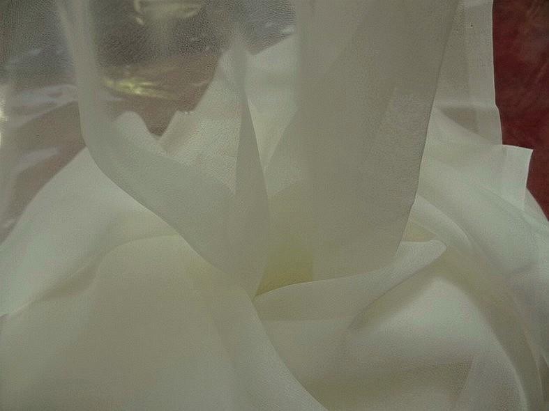 Mousseline de soie lisse blanc creme 4
