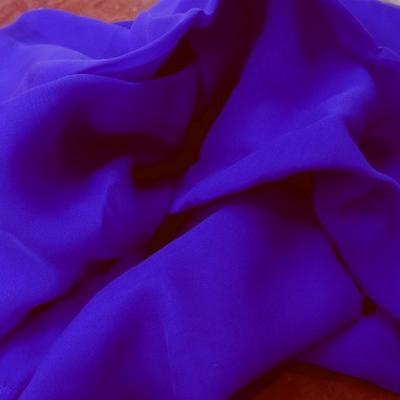 Mousseline de soie lisse bleu indigo 2