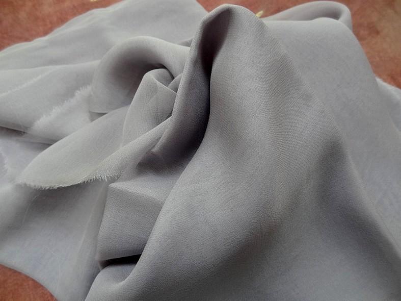 Mousseline de soie lisse gris fumee 2