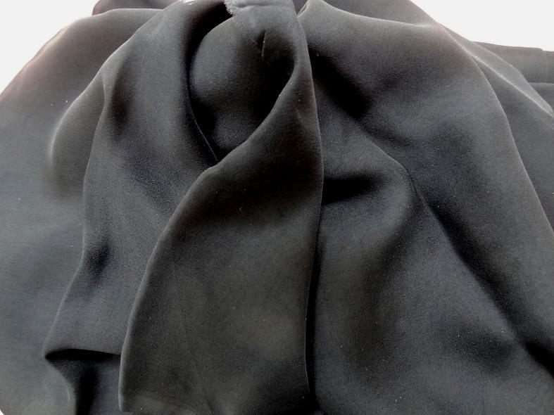 Mousseline de soie lisse noire 2