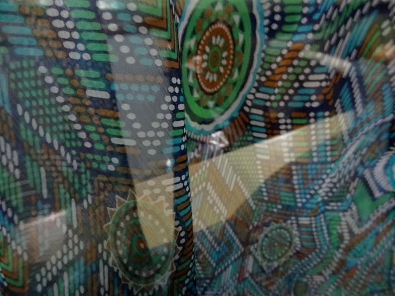 Mousseline de soie motif ethnique bleu vert 2