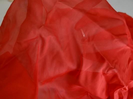 Mousseline de soie rouge ecarlate