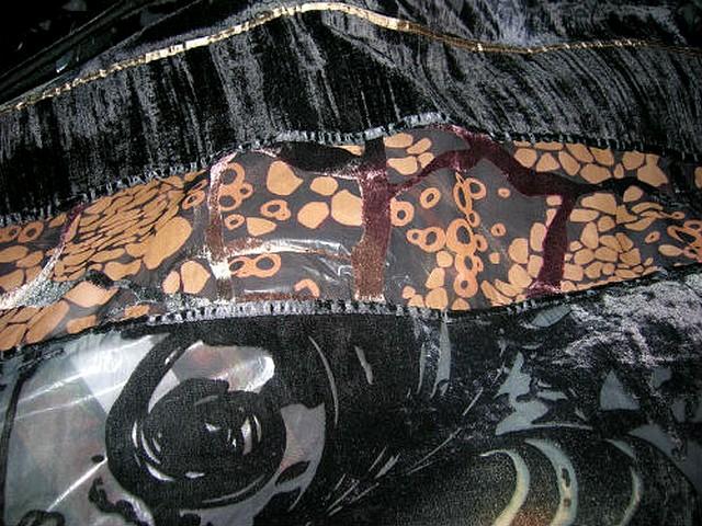 Mousseline devore velours noir marbre motif arabesques 3