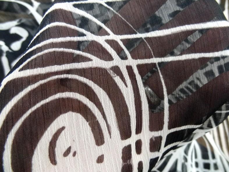 Mousseline froisse graphique noir et blanc 3