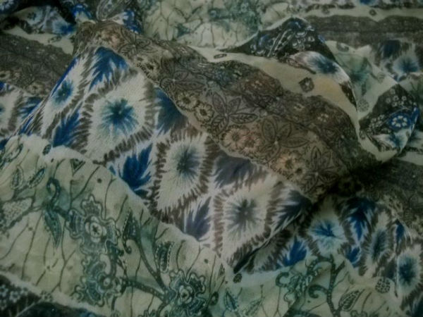 Mousseline motif frises fleuries kaki tilleul bleu 2