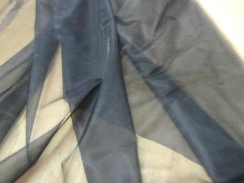 Mousseline noire ultra fine 3