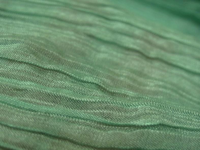 Mousseline ou voile plissee vert jade nacre 3 1