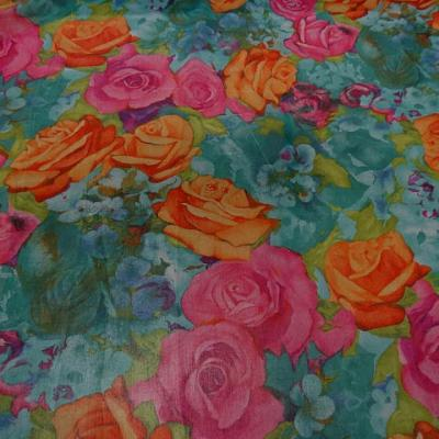 Mousseline polyester motif fleurs acidulees 3